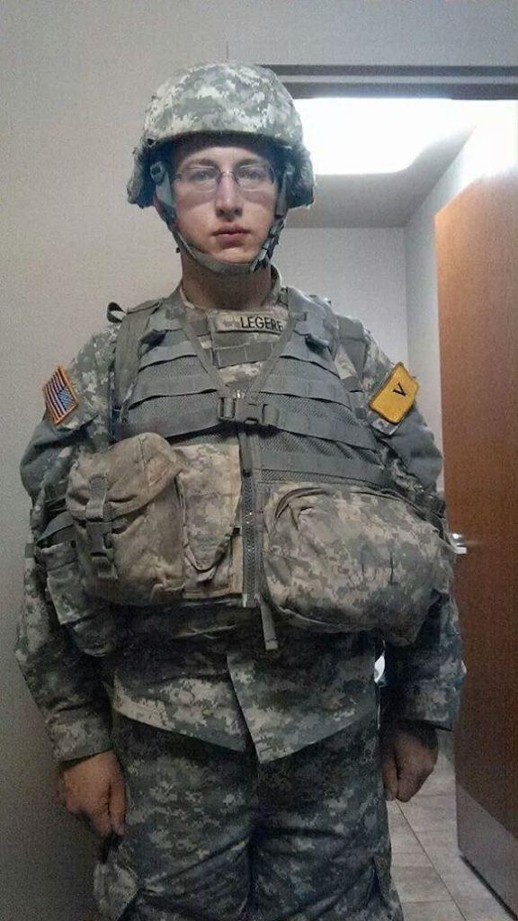 胖子青年加入军队以后逐渐变得帅气的过程好厉害!