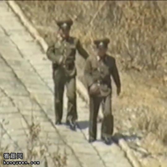 2ch翻译:朝鲜的基佬军人图像受到全世界瞩目,在前线迸发出爱的炮火!