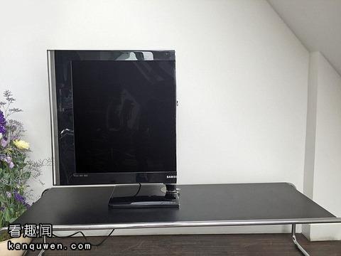 锯成一半的电视