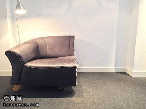 锯成一半的沙发