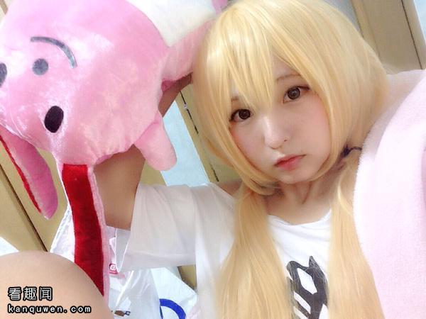 2ch:发现了一只粉萝莉的cosplayer