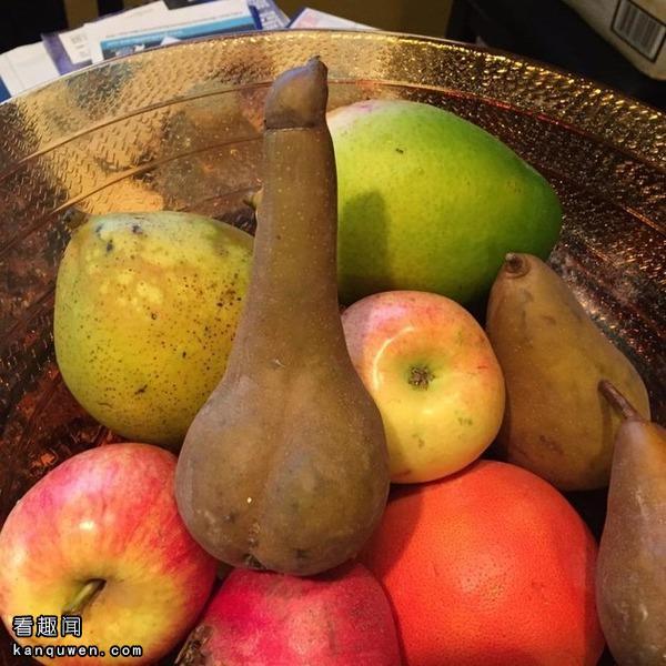 2ch:买回来的梨因为太像那条东西形成了话题