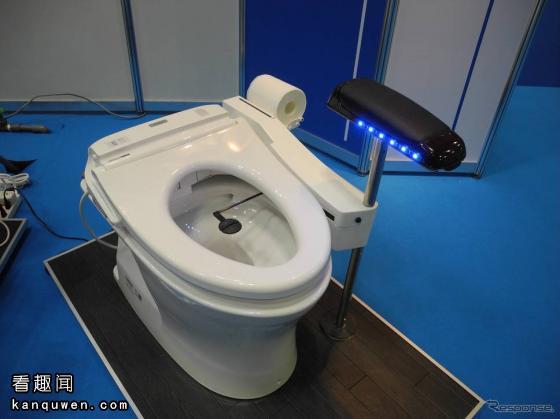 2ch:只要按下就会自动有厕纸来擦屁股的马桶机器人