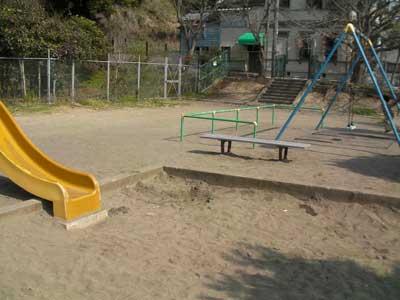 2ch:将飞机杯埋在公园的沙地里太有趣了www