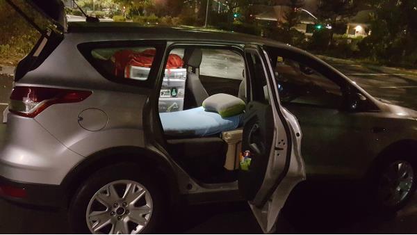 imgur:美国小伙「与我的车同居一年」
